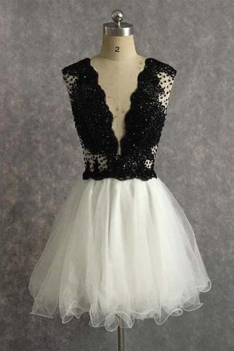Fashion Black and White Short Prom Dresses Deep V Neck Beading Party Dress